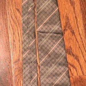 Men's Gucci tie